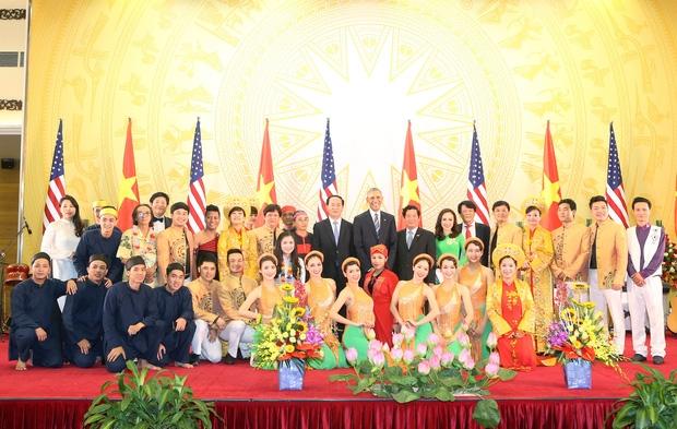 Hoàng Hậu Phương Đông: Từ cô bạn có cái tên lạ đến nữ sinh tài năng được bắt tay cựu Tổng thống Mỹ Obama - Ảnh 7.