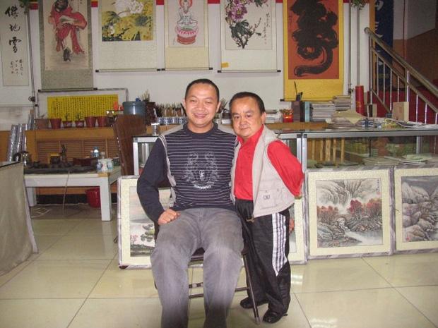 Chỉ cao hơn 1 mét, sao nam Thiên Long Bát Bộ vẫn có tổ ấm hạnh phúc bên bà xã kém 18 tuổi - Ảnh 4.