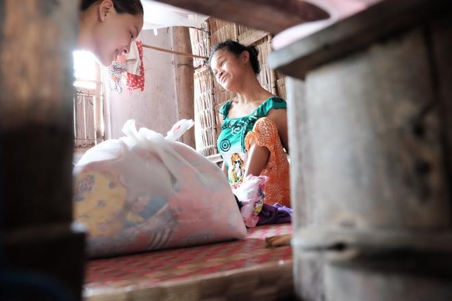 Gần 500 người đã ủng hộ hơn 200 triệu cho người mẹ điên chăm con gái sơ sinh 15 ngày tuổi không có cha - Ảnh 8.