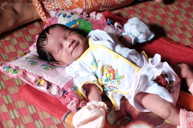 Gần 500 người đã ủng hộ hơn 200 triệu cho người mẹ điên chăm con gái sơ sinh 15 ngày tuổi không có cha - Ảnh 14.
