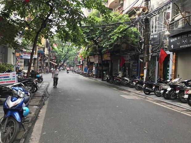 Hà Nội: Hỗn chiến kinh hoàng trước quán bar phố Mã Mây - Ảnh 2.
