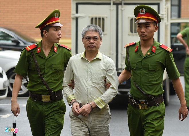 Nguyen pho tong giam doc Oceanbank khoc keu oan hinh anh 2