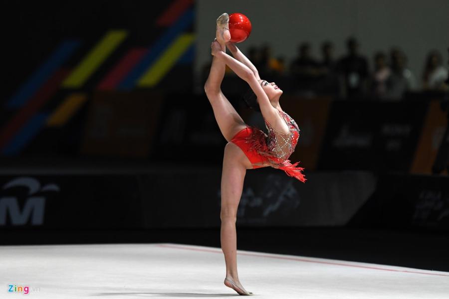 Nhung vu dieu ballet tren dau truong khoc liet cua SEA Games 29 hinh anh 9