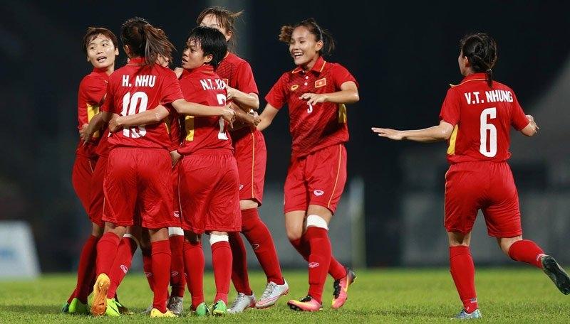Thủ tướng Nguyễn Xuân Phúc, bóng đá nữ Việt Nam, nữ Việt Nam, HLV Mai Đức Chung