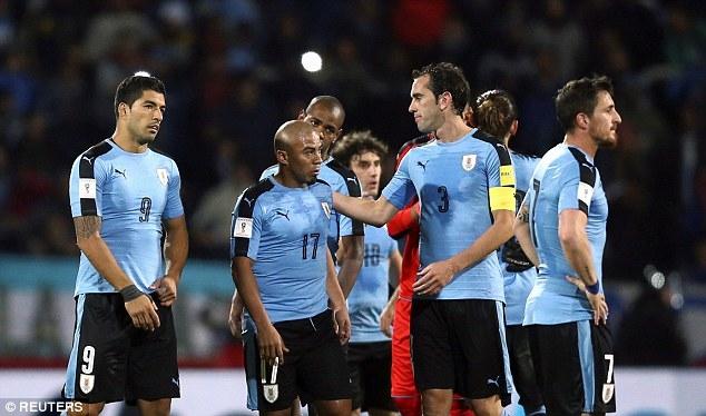 Uruguay có lợi thế sân nhà, nhưng họ không có Luis Suarez do chấn thương