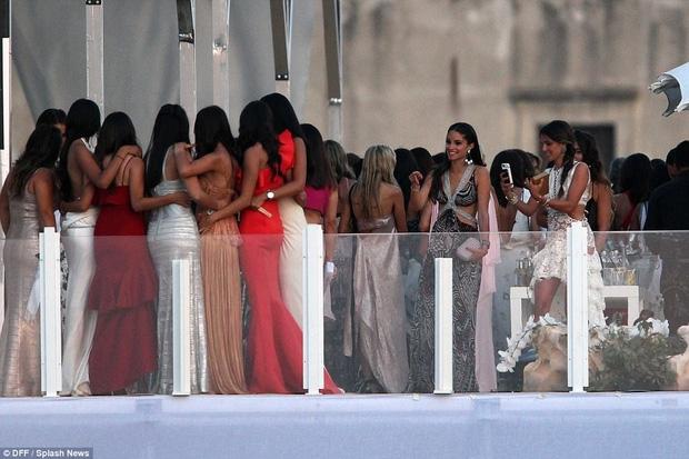 Cận cảnh đám cưới xa hoa ngút trời của con gái ông trùm địa ốc New York có giá 568 tỷ - Ảnh 11.