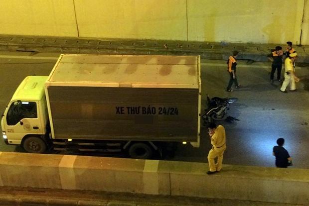 Hà Nội: Nam thanh niên bị xe tải cuốn vào gầm tử vong khi đi qua hầm Kim Liên - Ảnh 2.