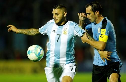 Messi tịt ngòi, Argentina vẫn khốn khó - Ảnh 4.