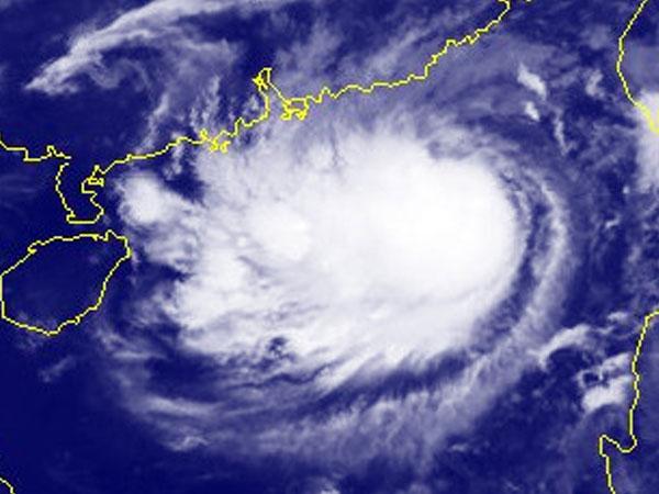 Bão số 8 hướng vào Trung Quốc, Biển Đông gió giật cấp 13