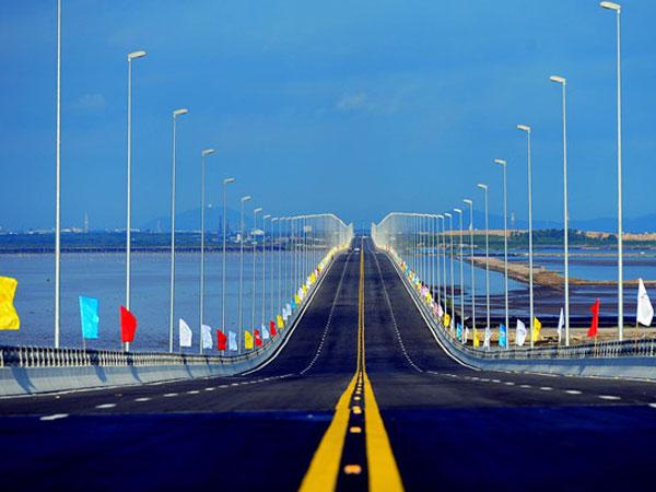 Những kỷ lục ở cây cầu vượt biển dài nhất Việt Nam