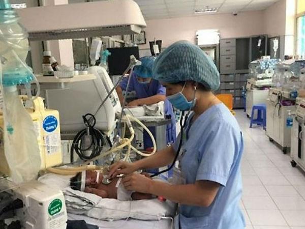 Trẻ sơ sinh bị viêm phổi do virus tăng đột biến
