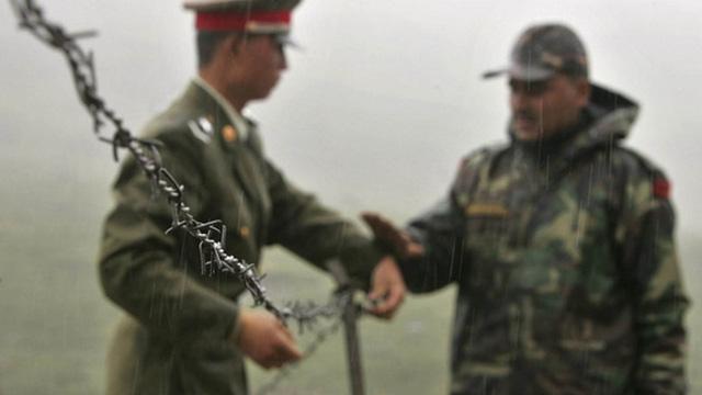 Căng thẳng biên giới giữa Bắc Kinh và New Delhi tạm lắng sau khi Ấn Độ nhất trí rút quân khỏi cao nguyên Doklam Ảnh: AP