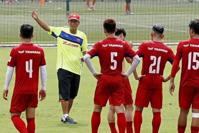 Lối chơi của đội tuyển dưới thời HLV Mai Đức Chung sẽ khác dưới thời HLV Nguyễn Hữu Thắng