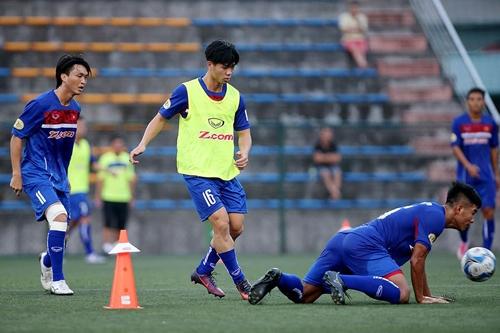 Công Phượng và Tuấn Anh không được mặc số áo ưa thích ở đội tuyển Việt Nam