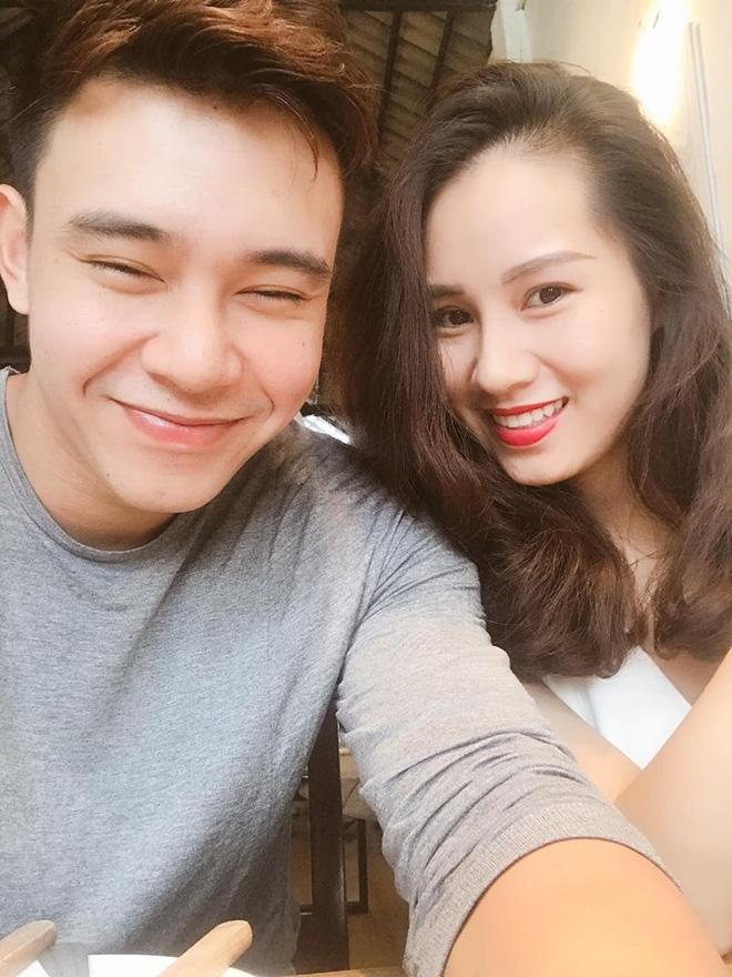 Đông Hùng bất ngờ khoe bạn gái xinh đẹp, nói lời yêu sến sẩm sau vụ nợ nần bạc tỷ - Ảnh 3.