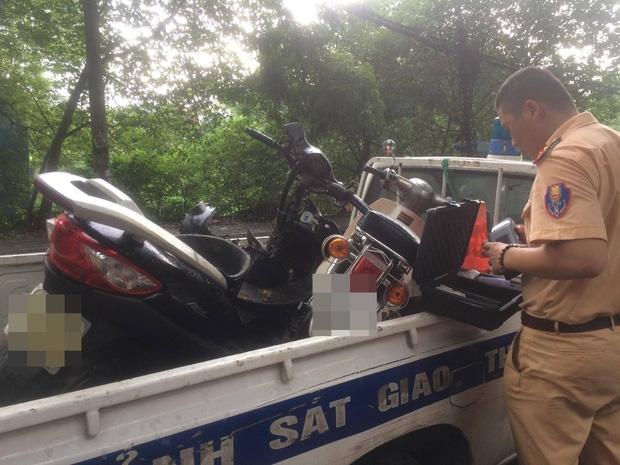 Hà Nội: Tai nạn liên hoàn trên đường Hoàng Hoa Thám, người đàn ông nhập viện cấp cứu - Ảnh 2.