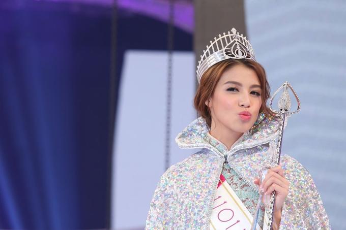 Người mẫu 23 tuổi đăng quang Hoa hậu Hong Kong