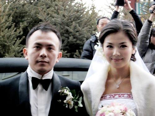 """Thiếu gia """"hư hỏng"""" nhất Trung Quốc: Chàng tỷ phú phá sản mang tiếng bám váy vợ - 2"""