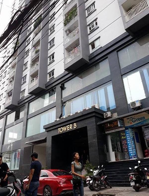 Hà Nội: Cư dân sợ hãi khi mảng tường chung cư bất ngờ rơi xuống từ tầng 4 - Ảnh 7.