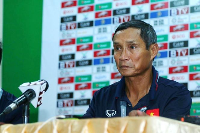 HLV Mai Đức Chung muốn được nghỉ ngơi sau trận đấu với Campuchia /// Trân Quý