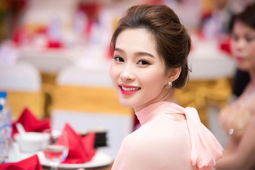Nhan sac duoc vi 'than tien ty ty' cua Thu Thao sau 5 nam dang quang hinh anh 11