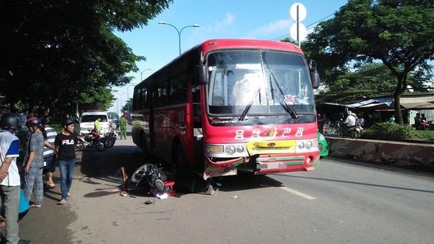TP. HCM: Va chạm với xe khách, chồng bị thương, vợ tử vong tại chỗ - Ảnh 1.