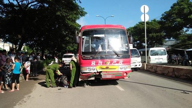 TP. HCM: Va chạm với xe khách, chồng bị thương, vợ tử vong tại chỗ - Ảnh 2.