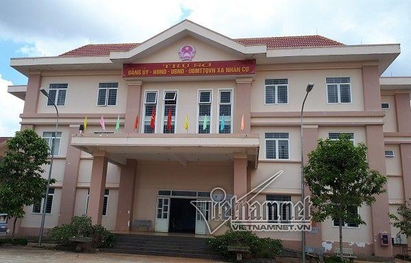 Cán bộ xã, Tham nhũng, Xây sân tennis, Xã Nhân Cơ, Đắk Nông
