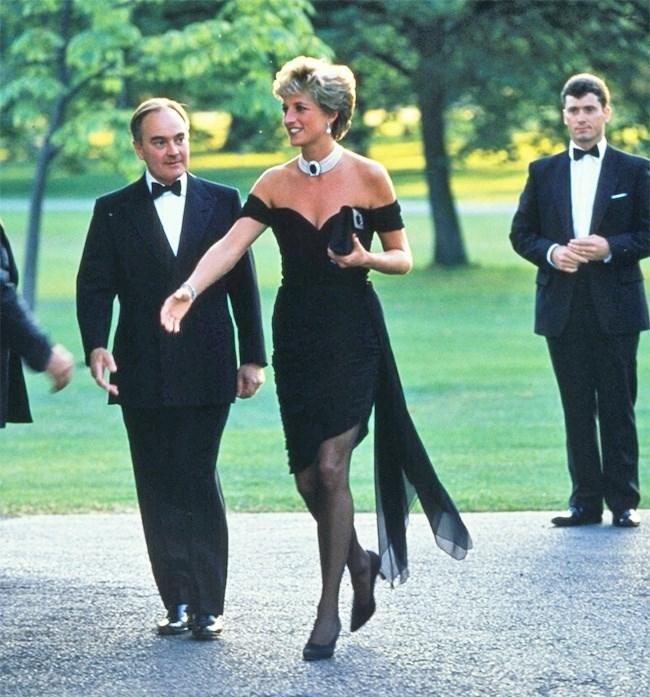 Chín quy tắc bất thành văn mà gia đình Hoàng gia Anh phải tuân thủ - ảnh 3