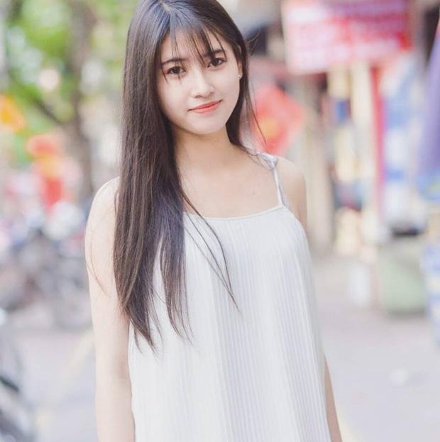 Cô bạn Hải Phòng bị chụp lén lúc đang ngủ gật được gọi là Suzy phiên bản Việt - Ảnh 4.