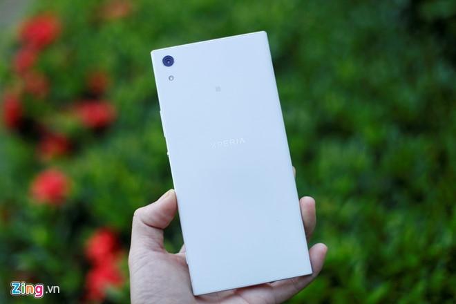 Dung thu Sony Xperia XA1 Ultra gia 8,9 trieu tai VN hinh anh 3