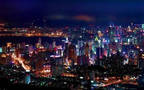 """Hồng Kông sắp bị Thẩm Quyến """"qua mặt"""" về GDP"""