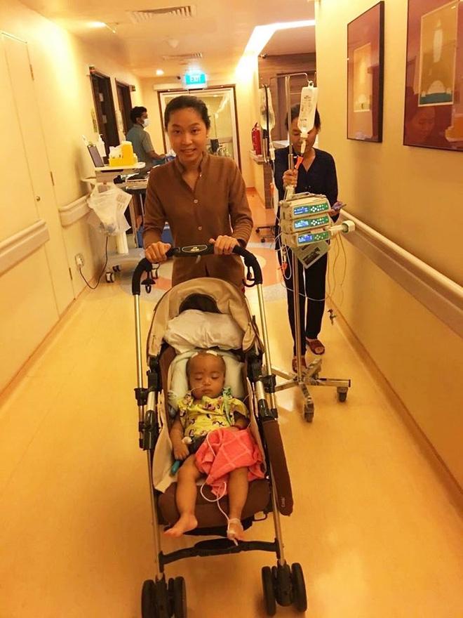 Lời kêu cứu của người vợ bị chồng bỏ rơi, con bệnh não úng thuỷ mấy lần chết hụt khi qua Singapore điều trị - Ảnh 7.