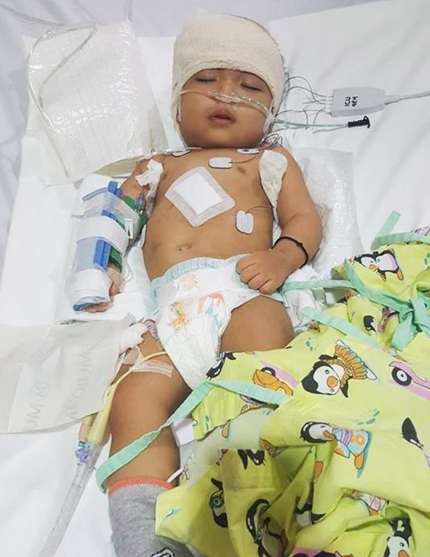 Lời kêu cứu của người vợ bị chồng bỏ rơi, con bệnh não úng thuỷ mấy lần chết hụt khi qua Singapore điều trị - Ảnh 10.