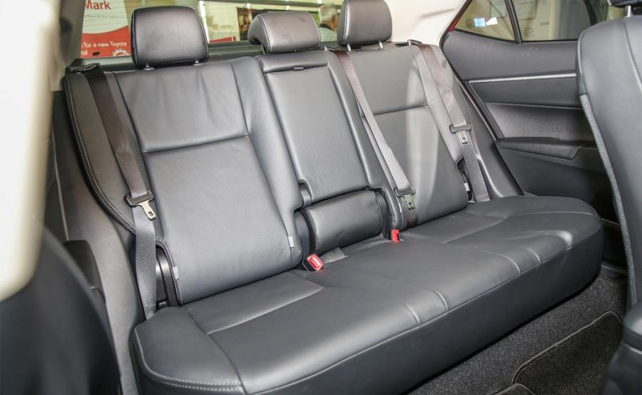 Toyota Corolla Altis 2017 co gia hon 28.000 USD o Malaysia hinh anh 9