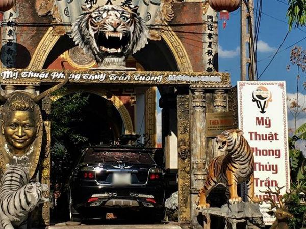 """Ngôi nhà kỳ quái được ví như """"hang động Ngưu Ma Vương"""" ở Hưng Yên"""