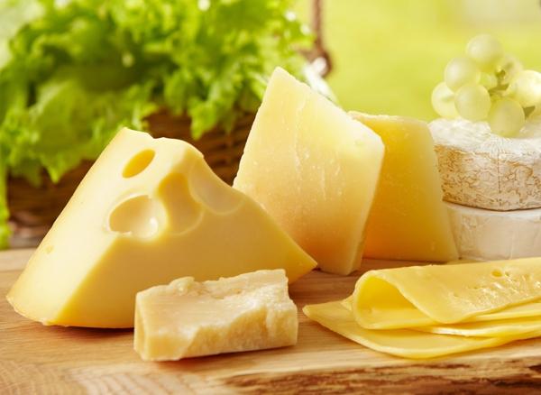 4 suy nghĩ sai lầm về sữa, phô mai, sữa chua cần tránh - Ảnh 2.