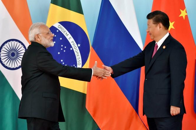 Chủ tịch Tập Cận Bình đón Thủ tướng Modi tại Hội chị cấp cao BRICS /// Reuters