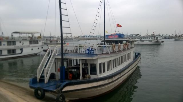 Một thuyền viên trên tàu du lịch đã lợi dụng sơ hở trộm tiền của khách đang đi trên tàu (ảnh minh họa)