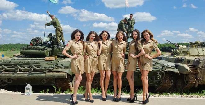 Bị Trung Quốc - phương Tây siết chặt, ngành công nghiệp vũ khí Nga đối diện tương lai xám xịt - Ảnh 1.