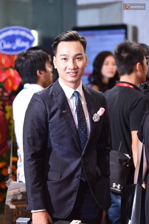 Dàn sao Việt lộng lẫy hội ngộ trên thảm đỏ VTV Awards 2017 - Ảnh 22.