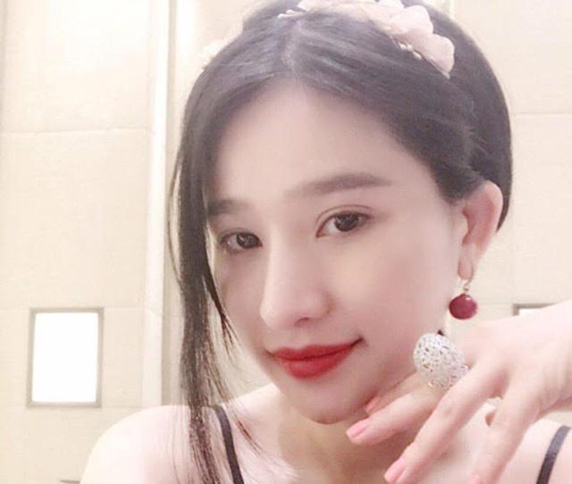 """Món quà là chiếc nhân kim cương trị giá 800 triệu tiền Việt khiến người hâm mộ """"choáng váng"""""""