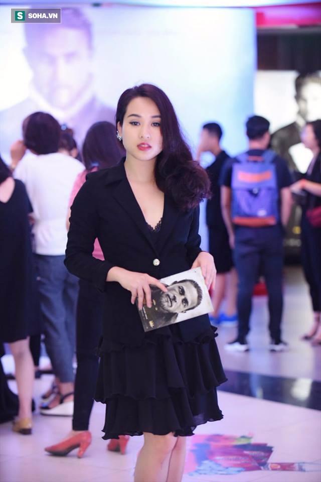 Hot girl Nhật ký Vàng Anh: Tôi tự chụp ảnh sexy để giảm stress! - Ảnh 4.
