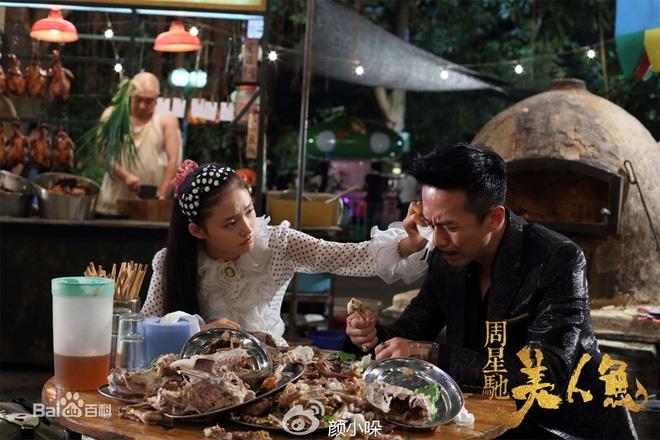 Mẹ Châu Tinh Trì phải ăn đùi gà dính đất cát và 30 năm sau, sự thật về lòng hiếu thảo mới được hé lộ - Ảnh 4.