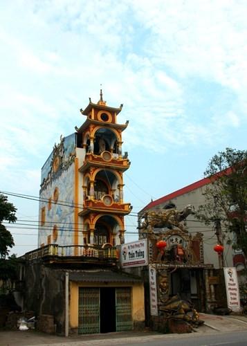 Cận cảnh ngôi nhà kỳ quái của anh Nguyễn Văn Tưởng