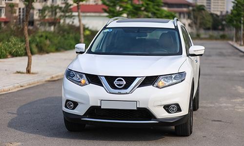Nissan X-Trail giảm giá từ 10 đến 40 triệu đồng trong tháng 9, cạnh tranh với Honda CR-V và Mazda CX-5.