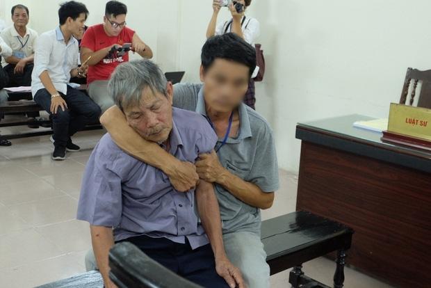 Tâm sự đầy day dứt, mặc cảm của con cháu cụ ông 79 tuổi bị phạt tù vì hiếp dâm bé gái - Ảnh 1.