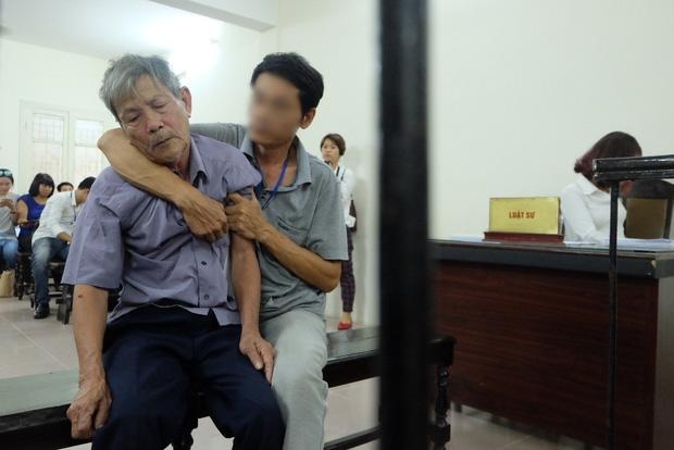 Tâm sự đầy day dứt, mặc cảm của con cháu cụ ông 79 tuổi bị phạt tù vì hiếp dâm bé gái - Ảnh 2.