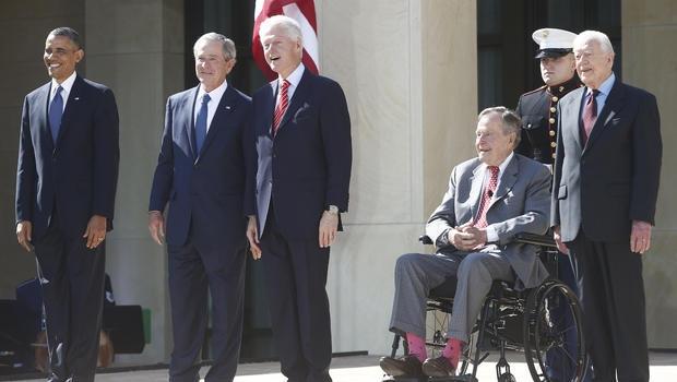 Từ trái qua phải: Cựu Tổng thống Barack Obama, George W. Bush, Bill Clinton, George H.W. Bush và Jimmy Carter (Ảnh: CBS)