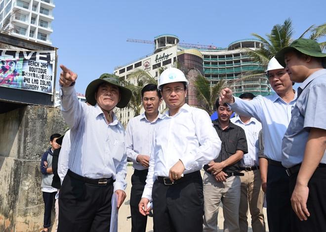 Bi thu Nguyen Xuan Anh lang le thi sat bai bien Da Nang hinh anh 3